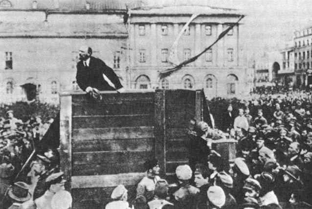 Photo censurée par Staline, Trotsky a disparu. Si le Parti Bolchevique avait utilisé la chaîne de blocs, cela ne serait pas arrivé.